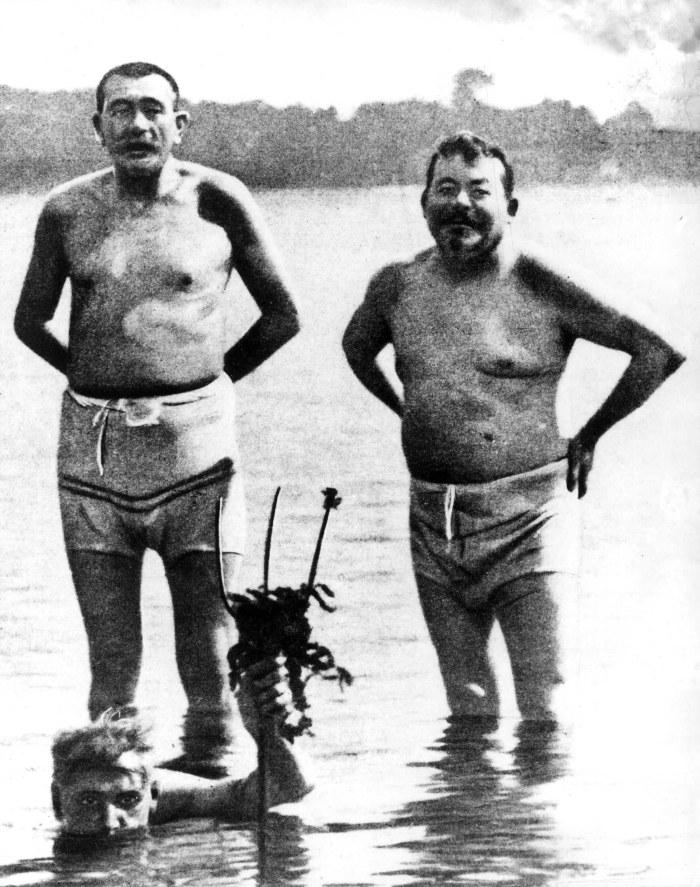 1919-07_Foto_Ebert__rechts__beim_Bad_in_der_Ostsee__AdsD__01.jpg